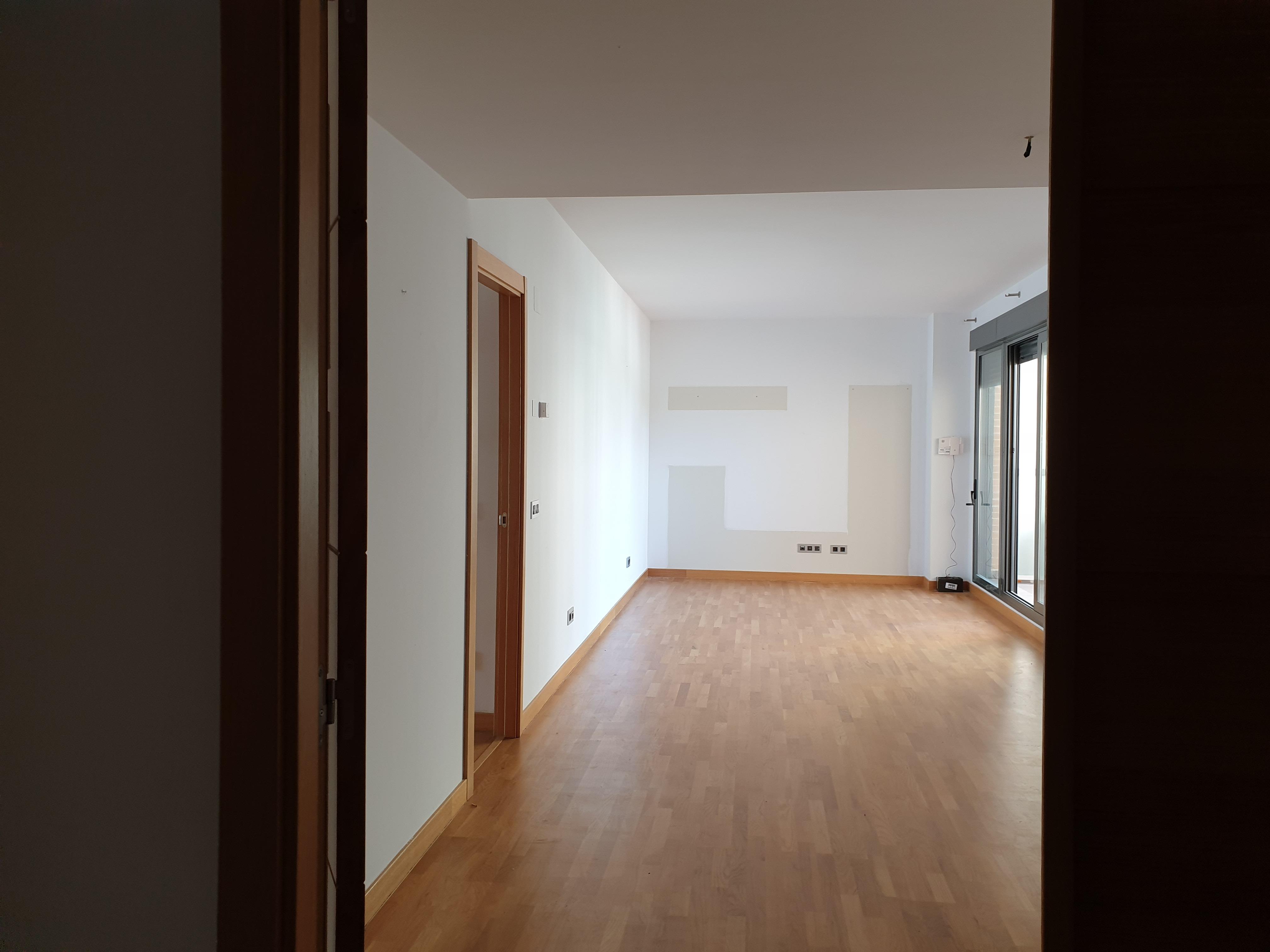 """Magnifica vivienda en amplia urbanización privada <span class=""""calle"""">Calle Ibon de Astun</span>"""