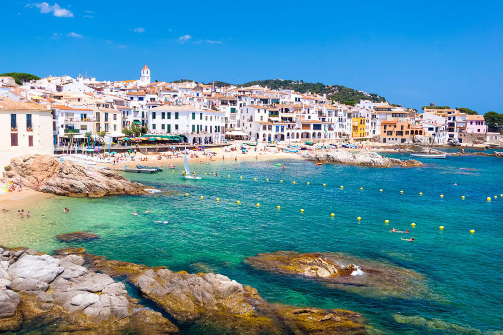 luxury yacht charter in costa brava