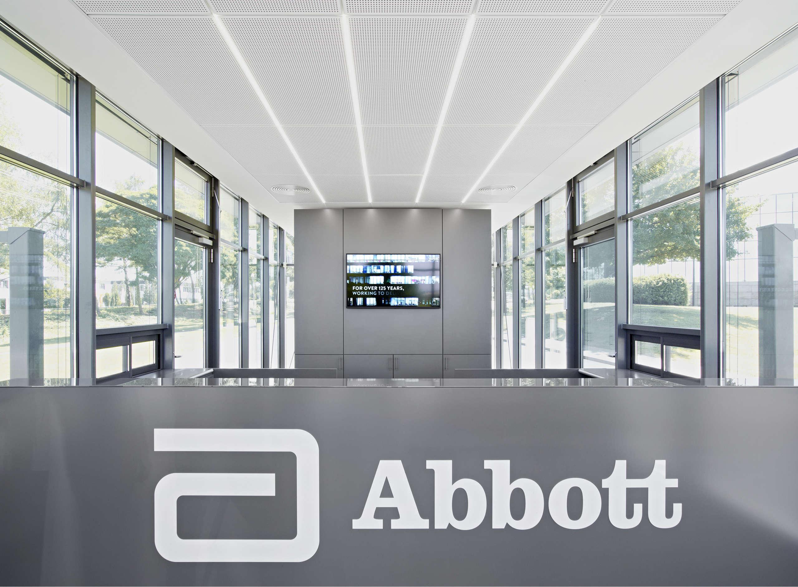 Abbott Empfangsgebaeude Wiesbaden 01