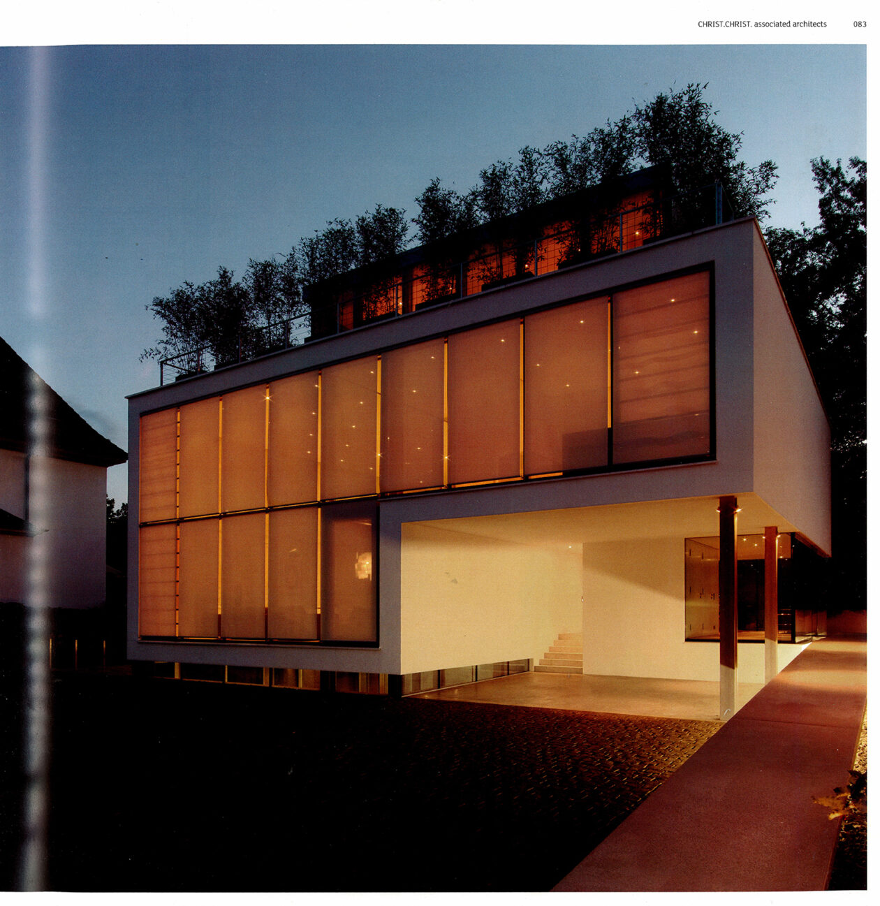 Modern Lux Housing 03