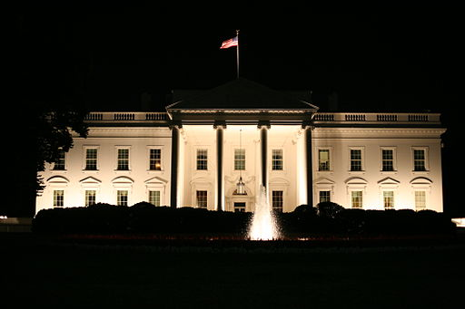 512px-The_White_House_at_night.jpg