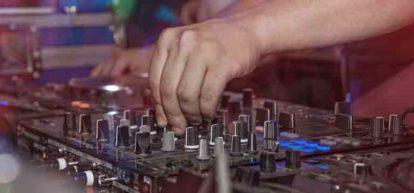 Berlin club sound desk