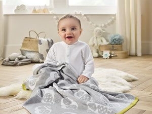 Piper the Puffin Reversible Blanket