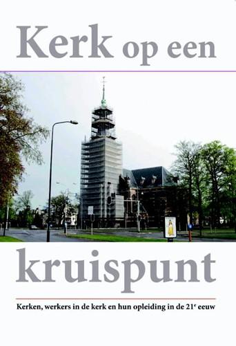 Kerk op een kruispunt (Boek)