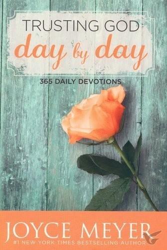Trusting God day by day (Boek)