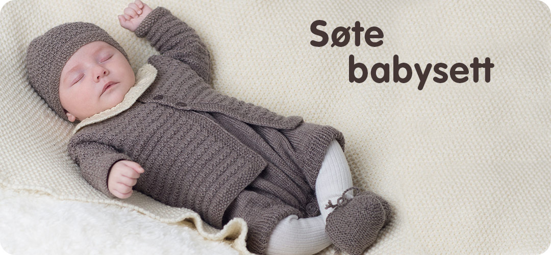 c894f2fd Det er stas å ha et håndstrikket babysett strikket av deg, eller andre som  er glad i den lille. Her får du garnpakker til komplette hentesett med  tepper fra ...