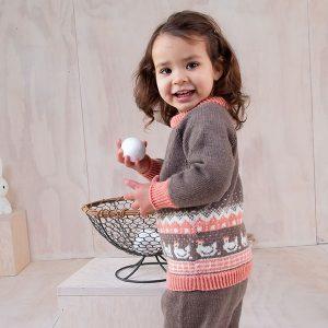 Bluum strikkegenser + bukse -Høner- i Zarina