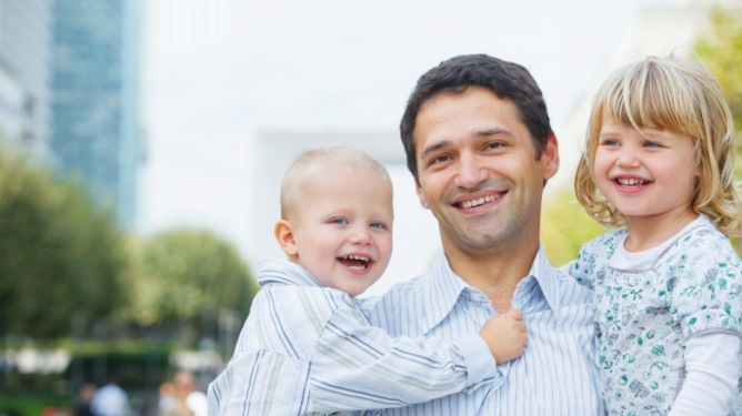 Lyst å dra på storbyferie med små barn? Med litt ekstra planlegging er det ikke noe problem! Ill.foto: Crestock