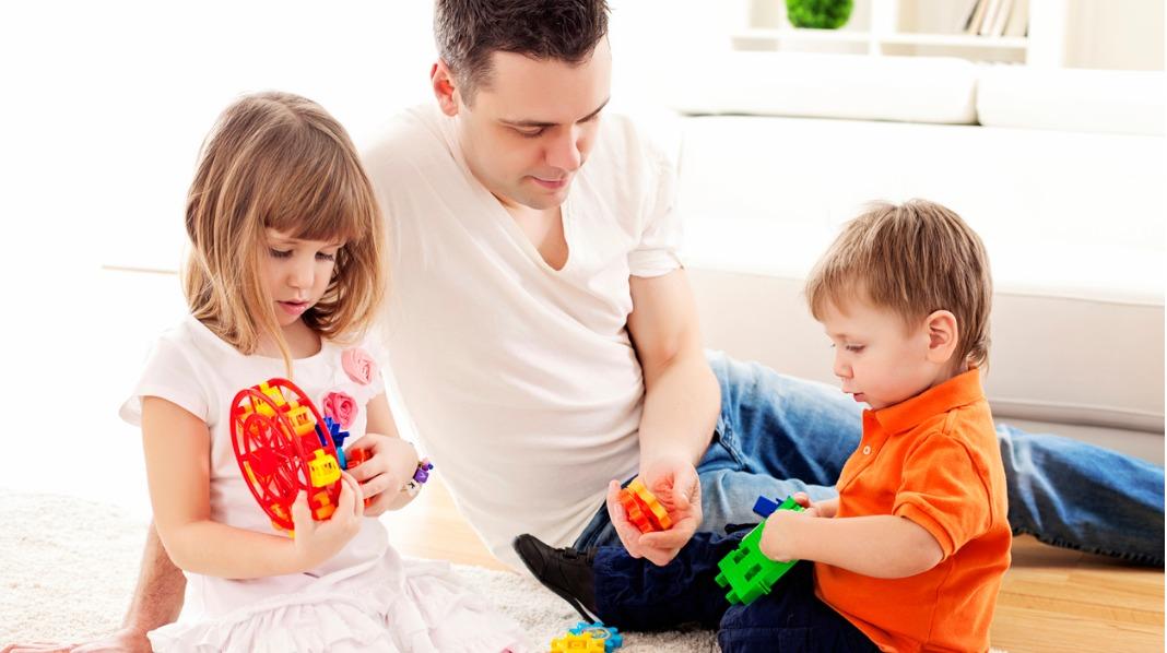 """– For barn er ikke lek """"bare lek"""", men ramme alvor! Derfor må også du ta leken på alvor. Ill.foto: iStock"""