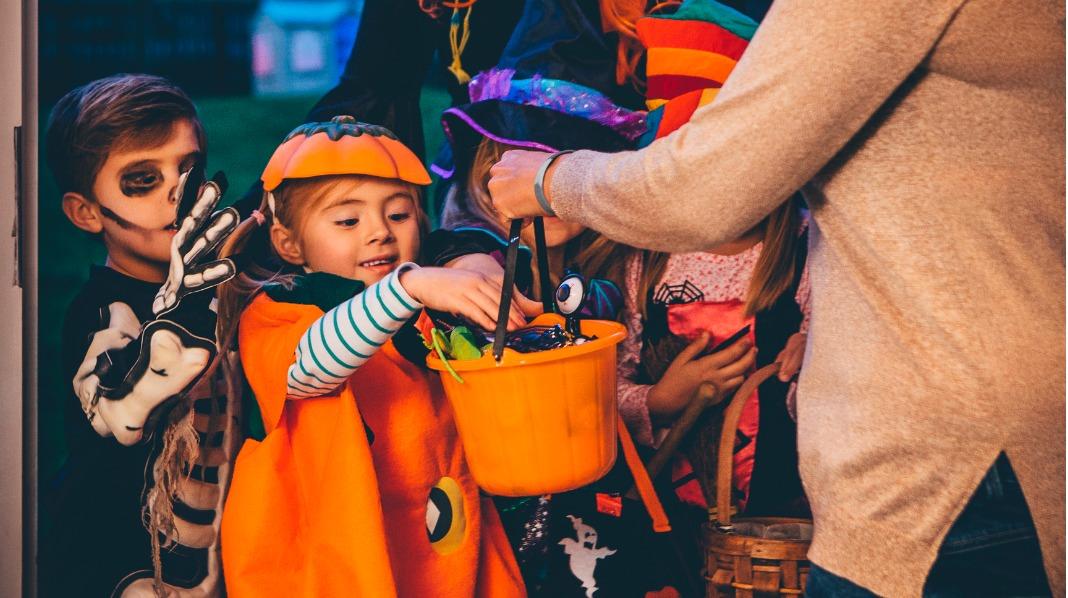 Mye knask, og kanskje ikke så mange knep fra de minste som ringer på dørene Halloween. Illustrasjonsfoto: iStock