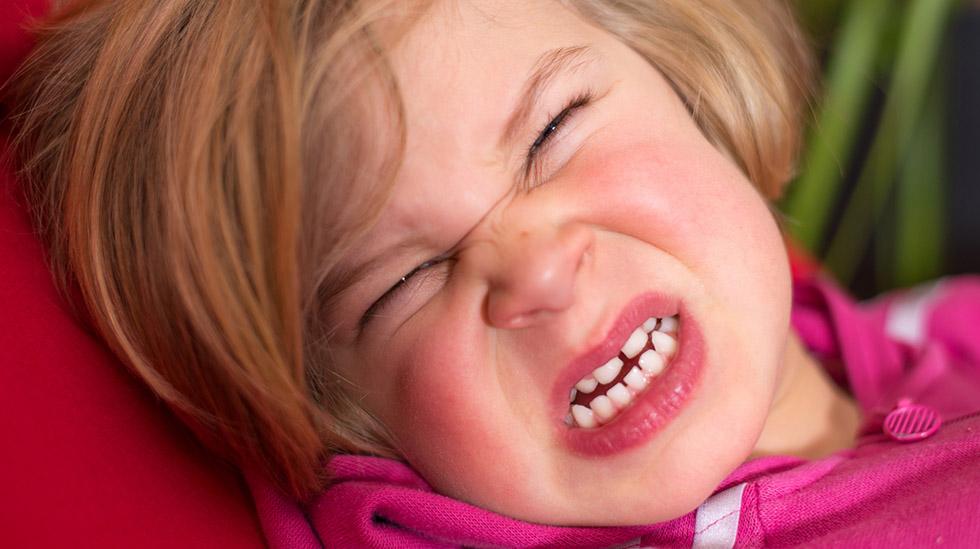 Går det hull på huden der barnet er bitt, skal det undersøkes av lege. Illustrasjonsfoto: Shutterstock
