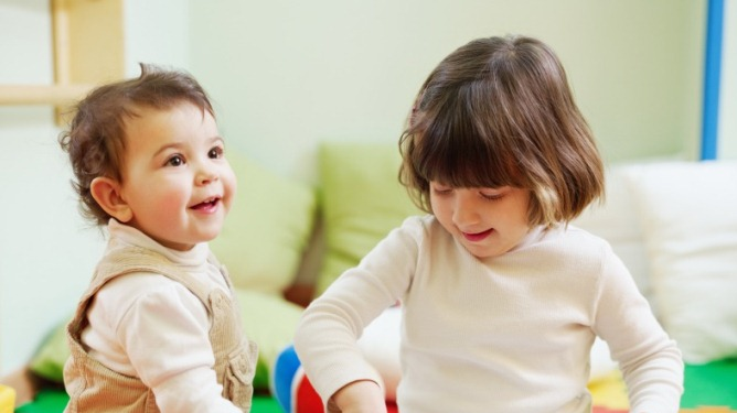 Stort sett er foreldre fornøyde med barnehagen sin. Men noen ganger  er det rom for forbedringer... Ill.foto: Crestock
