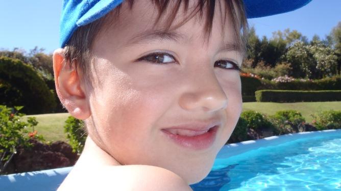 Utrolig nok har ikke Christoffer vannskrekk etter drukningsulykken. Alle foto: privat