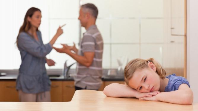 Mange barn tar på seg skylden når mor og far er uenige.  - Å ta på seg slik skyld er skadelig for barn, sier Jon Aarsland ved Familievernkontoret i Sør-Rogaland. Ill.foto: Crestock