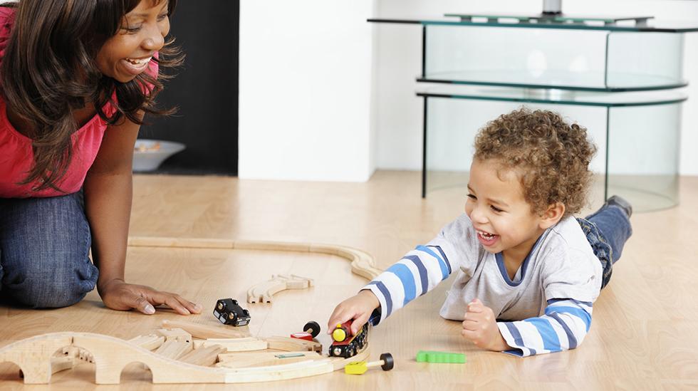 Det er viktig å være mentalt til stede med barnet om ettermiddagen, mener helsesøster. Illustrasjonsfoto: Shutterstock