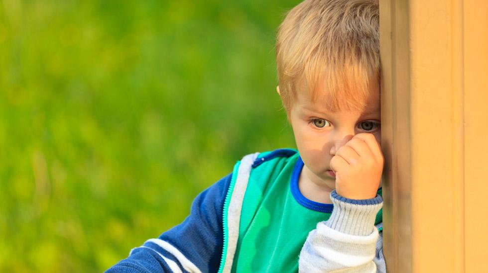 Det er viktig å reagere hensiktsmessig når barnet er engstelig. Illustrasjonsfoto: Shutterstock
