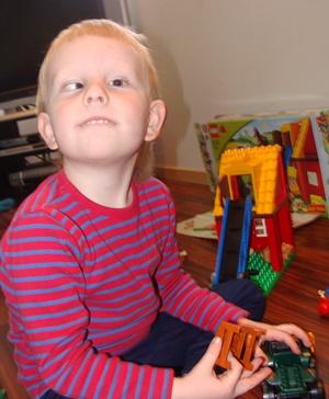 Slik så Ask ut før han fikk briller, cirka 3 1/2 år gammel.