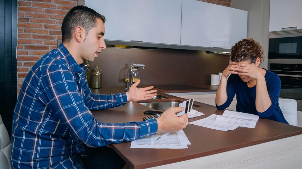 Er du åpen med partneren din om alt du bruker penger på? Illustrasjonsfoto: Shutterstock