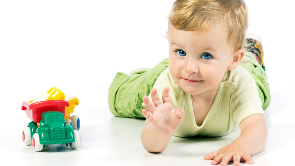 Unngå å dille og dalle når du leverer barnet i barnehagen. Er du bestemt og tydelig gjør du dere begge en tjeneste. Illustrasjonsfoto: Shutterstock