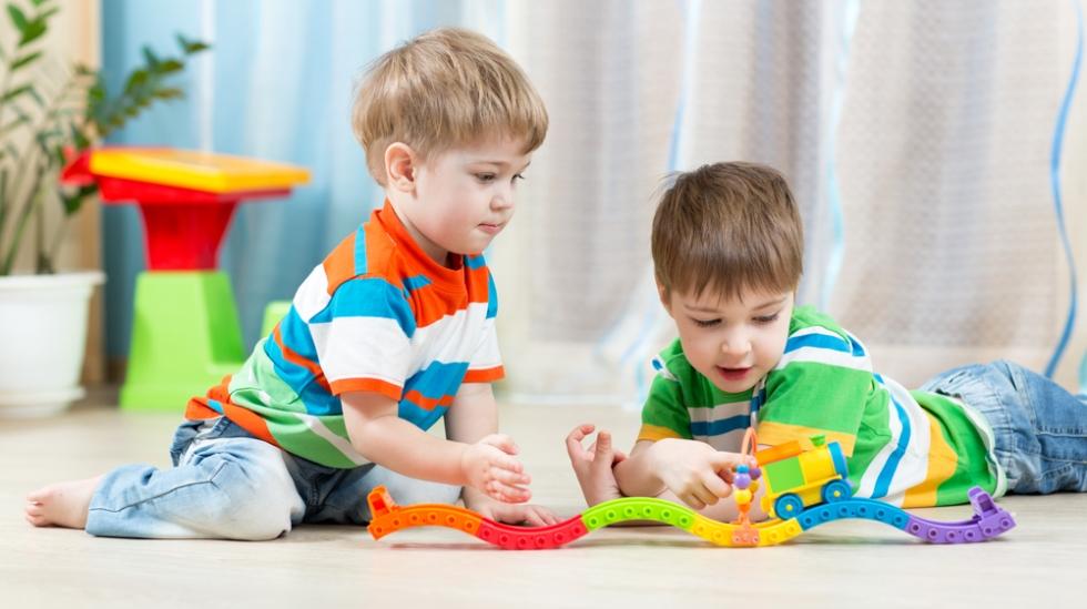 Få lov til å leke i fred, eller huset fullt av unger? Illustrasjonsfoto: Shutterstock