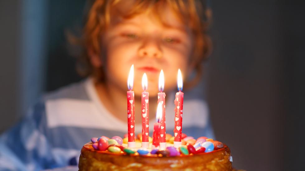 Å blåse ut lysene er en stor greie – ikke glem det! Illustrasjonsfoto: Shutterstock