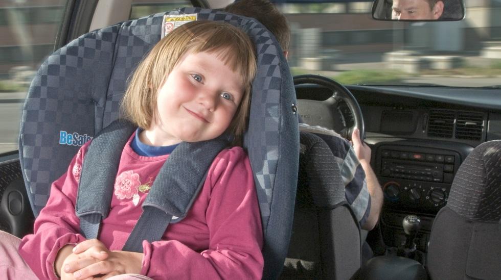 Målet er at flest mulig barn skal sitte lengst mulig bakovervendt. Eller minst til de er fire år. Foto: Anders Aa. Hagen/Trygg Trafikk