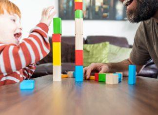 Leke med barnet