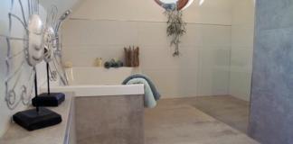 Barrierefreies Bad mit bodentiefer Dusche