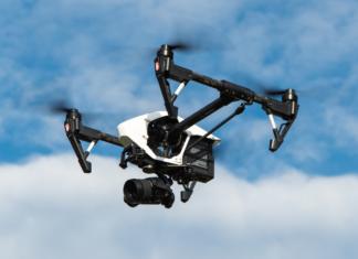 Dachkontrolle mit einer Drohne