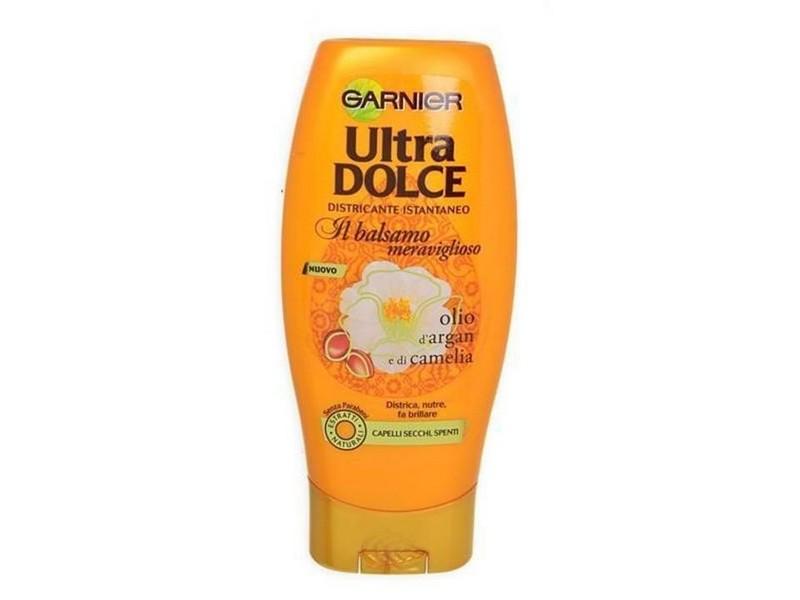 Il segreto per capelli secchi e sfibrati  Ecco i nostri must-have 4998b9b1403c