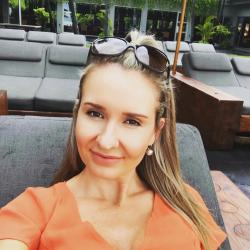 Angelina54