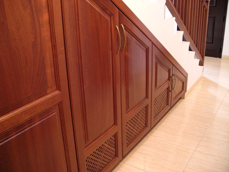 STAIR CLOSET MADE TO MEASURE