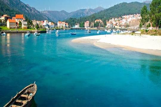 4 noches con desayunos en la costa gallega