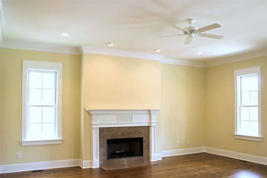 Pinturas ro ma colocaci n de moldura de escayola de - Molduras para techos interiores ...