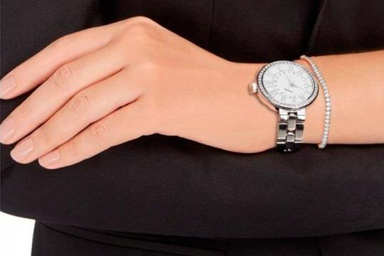 Conjunto regalo ladies watch y brazalete ¡Elegancia en cada detalle!