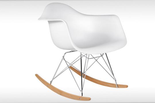 Productos colectivia silla mecedora blanca y madera la - Silla eames amazon ...
