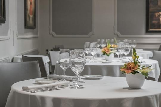 Restaurante alhambra alta cocina en pamplona men premium 2019 y maridaje de vinos colectivia - Cursos de cocina en pamplona ...