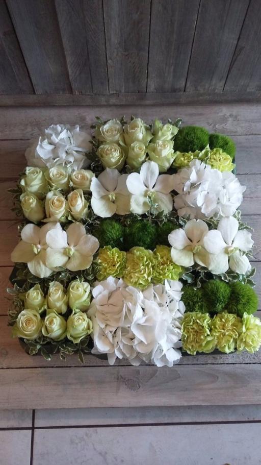 Commande bouquets de fleur Batz-Sur-Mer fleuriste créateur Pivoine et Capucine