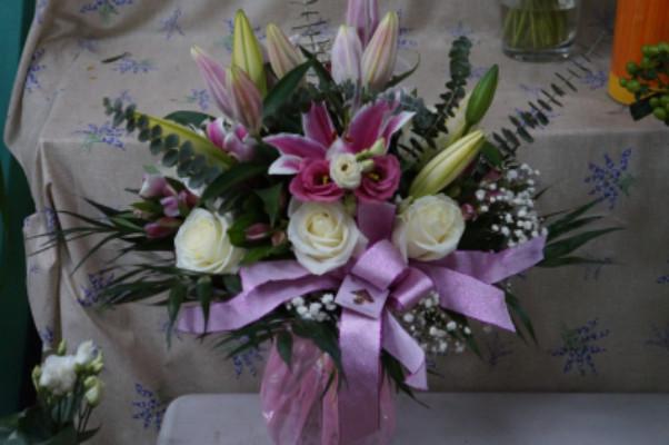 Envoi composition florale Le Pradet  Idfleurs