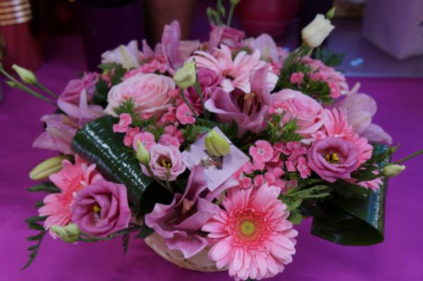 Faire livrer composition florale La Crau artisan fleuriste Idfleurs