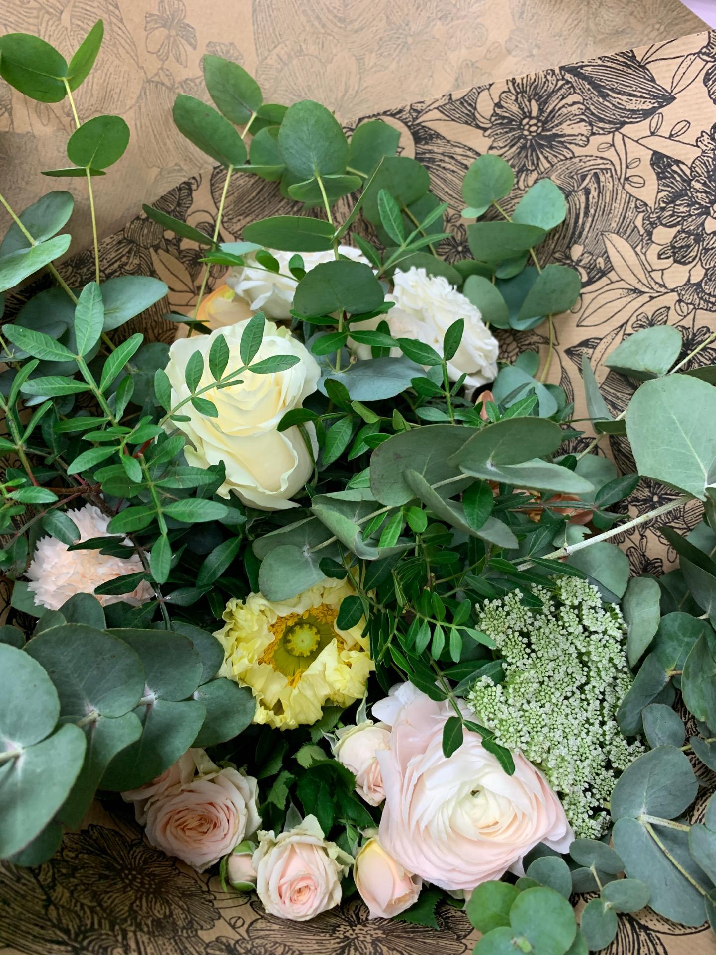 Offrir composition florale fleuriste Au Comptoir Floral à Bourgoin-Jallieu
