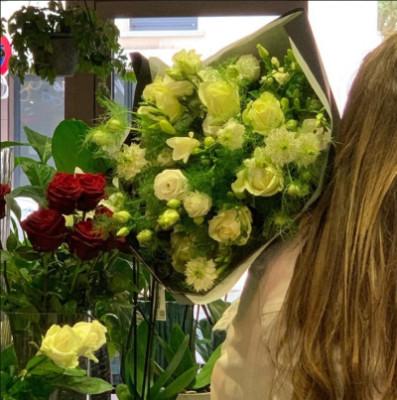 Envoie de bouquet de fleur Arcachon artisan fleuriste Victor Hugo Fleurs