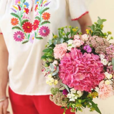 Faire livrer composition florale Bordeaux fleuriste créateur Conter Fleurette