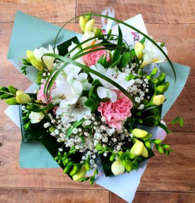 Envoie de bouquet fleur La Longueville fleuriste créateur Betty Fleurs