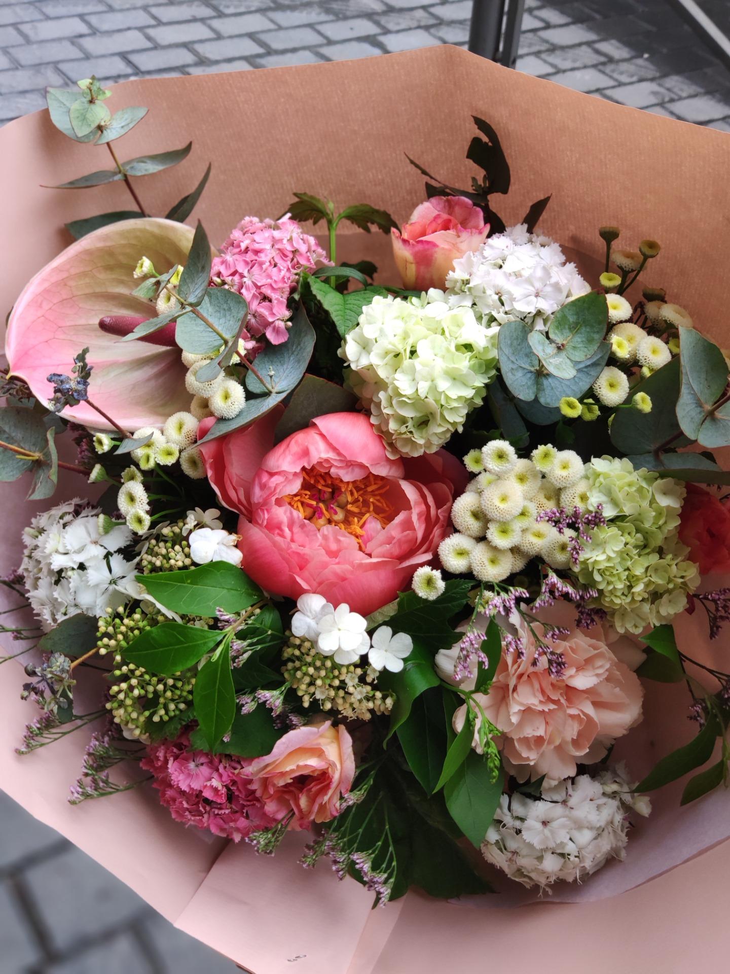 Commande composition floral fleuriste Conter Fleurette à Bordeaux