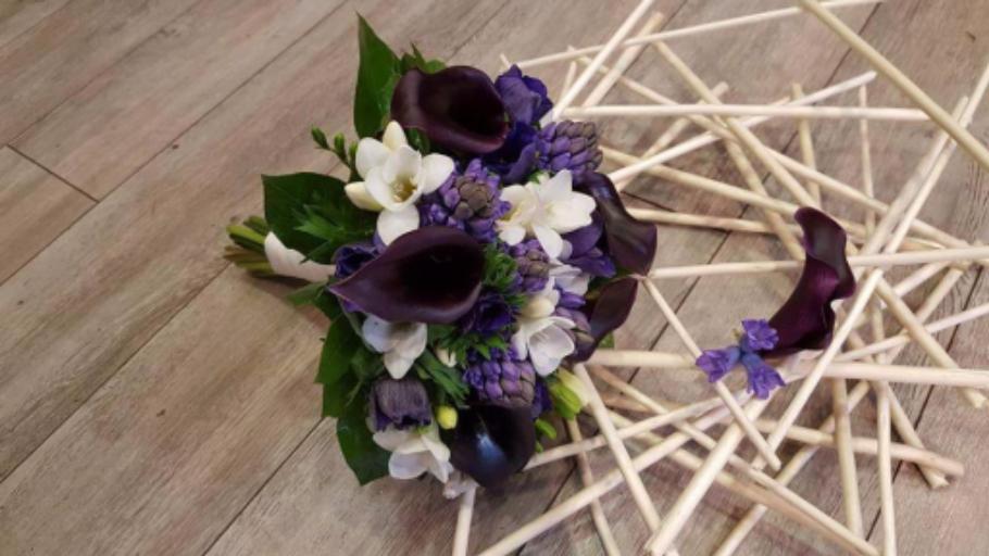 Envoyer bouquets fleur Jurancon fleuriste créateur Hellebore