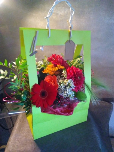 Envoie de bouquets fleur Bois-Arnault artisan fleuriste Le Bois des Roses