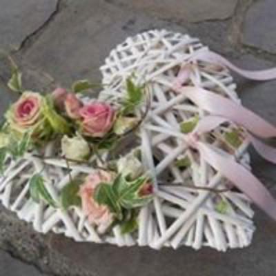 Envoi bouquets La Longueville fleuriste créateur Fleurs en Campagne