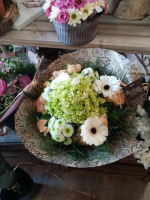 Envoyer des bouquets fleuriste local Fleurs en Campagne à Berlaimont
