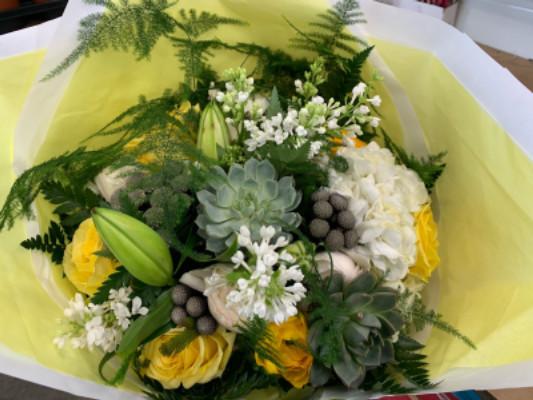 Commander bouquet pivoines fleuriste artisan SOLEMIO fleurs à Brignoles